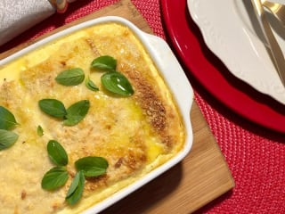 Imagem ilustrativa do prato TORTA DE PÃO COM MUÇARELA, ABOBRINHA E TOMATE