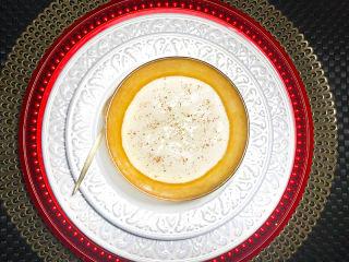 Imagem ilustrativa do prato FLAN DE TAPIOCA COM COCO E ESPECIARIAS